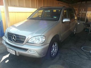 2003 Mercedes-Benz ML 270 CDI (4x4) Wagon.