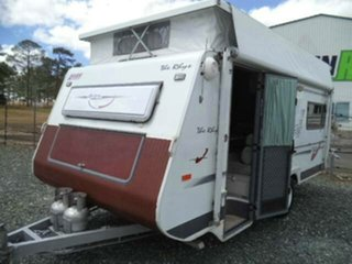 Used AVAN THE RHYS CARAVAN, Gympie, AVAN THE RHYS CARAVAN 525 POP TOP Caravan