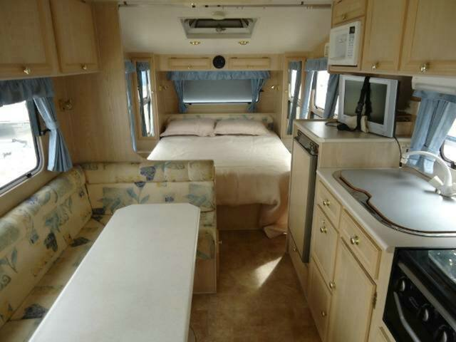 Used Compass Explorer caravan, Clontarf, Compass Explorer caravan 18`6