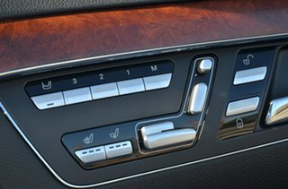 Used Mercedes-Benz S500, Victoria Park, 2006 Mercedes-Benz S500 Sedan.