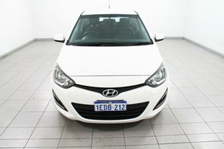 Used Hyundai i20 Active, 2013 Hyundai i20 Active Hatchback.
