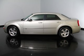 Used Chrysler 300C HEMI, Victoria Park, 2011 Chrysler 300C HEMI Sedan.