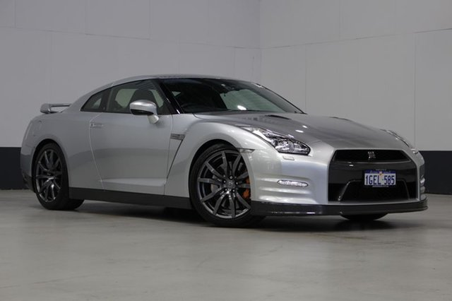 Used Nissan GT-R, Bentley, 2013 Nissan GT-R Coupe