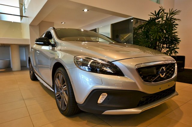 Demonstrator, Demo, Near New Volvo V40 Cross Country T5 Adap Geartronic AWD Luxury, Southport, 2016 Volvo V40 Cross Country T5 Adap Geartronic AWD Luxury Hatchback