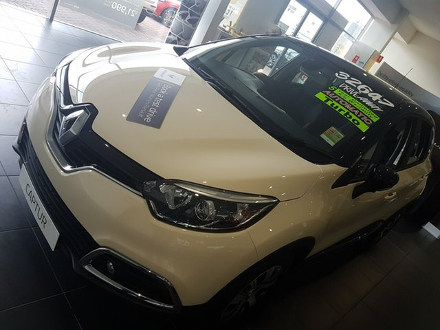 Discounted Demonstrator, Demo, Near New Renault Captur Expression EDC, Warwick Farm, 2016 Renault Captur Expression EDC SUV