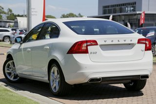 2016 Volvo S60 T4 Adap Geartronic Kinetic Sedan.