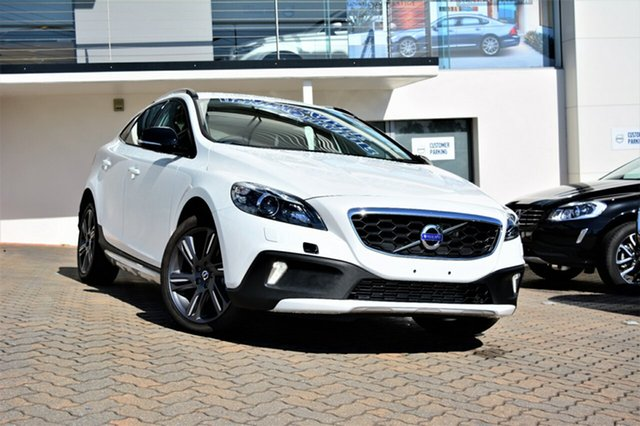 Discounted Demonstrator, Demo, Near New Volvo V40 Cross Country D4 Adap Geartronic Luxury, Southport, 2016 Volvo V40 Cross Country D4 Adap Geartronic Luxury Hatchback