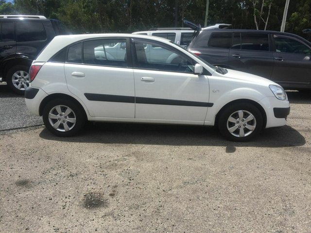 Used Kia Rio LX , 2008 Kia Rio LX White 5 Speed Manual Hatchback
