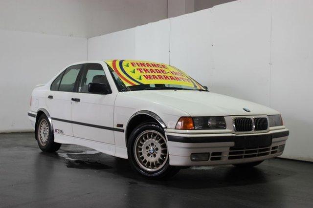 Used BMW 318I, Underwood, 1993 BMW 318I Sedan