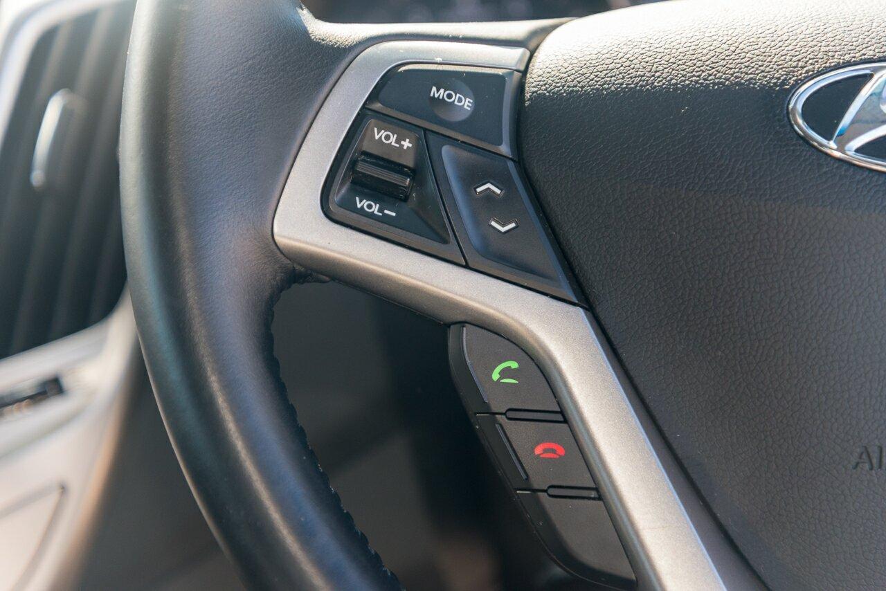 2014 Hyundai Veloster Coupe FS2