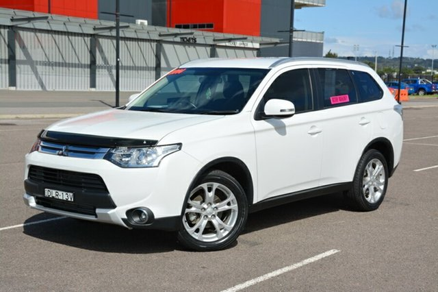 Used Mitsubishi Outlander ZJ MY14.5 LS 4WD, 2014 Mitsubishi Outlander ZJ MY14.5 LS 4WD White 6 Speed Sports Automatic Wagon