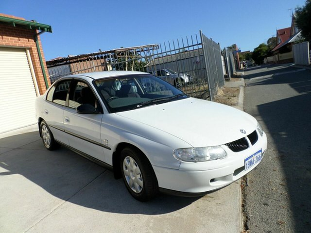 Used Holden Commodore Executive, Mount Lawley, 2002 Holden Commodore Executive Sedan