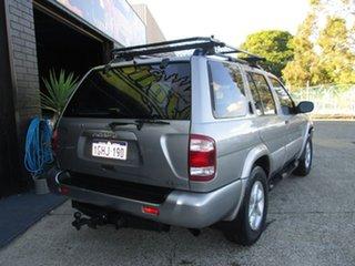 2000 Nissan Pathfinder 4x4 Wagon.