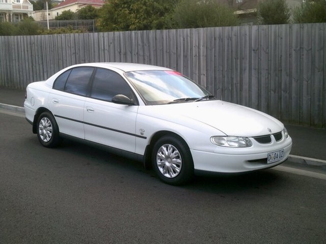 Used Holden Commodore Executive, North Hobart, 2000 Holden Commodore Executive Sedan