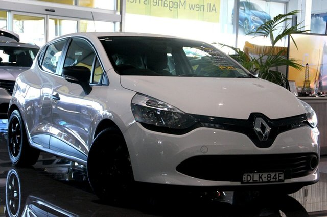 Discounted Demonstrator, Demo, Near New Renault Clio Authentique, Wickham, 2015 Renault Clio Authentique Hatchback