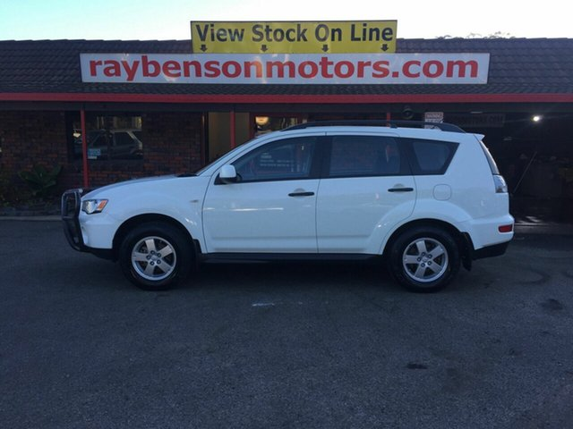 Used Mitsubishi Outlander LS , 2010 Mitsubishi Outlander LS White 6 Speed Sequential Auto Wagon
