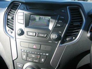 2014 Hyundai Santa Fe 4x4 7 SEATER Wagon.