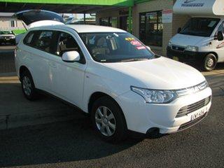 2012 Mitsubishi Outlander Automatic Wagon.