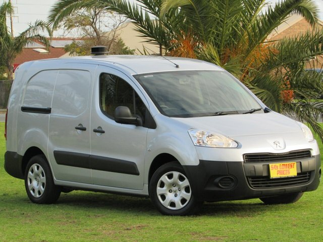 Used Peugeot Partner L2 Low Roof MWB, 2013 Peugeot Partner L2 Low Roof MWB Van