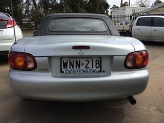 1999 Mazda MX-5 Convertible.