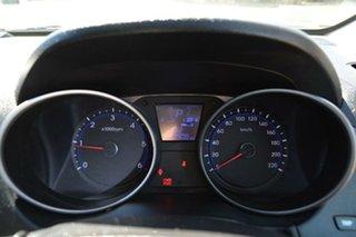 2010 Hyundai ix35 Highlander Wagon.