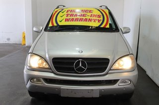 2004 Mercedes-Benz ML 350 Classic (4x4) Wagon.