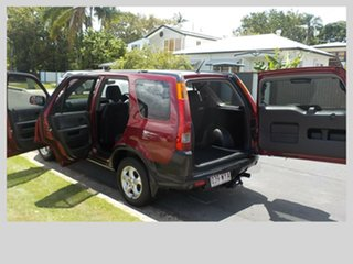 2004 Honda CR-V Wagon.