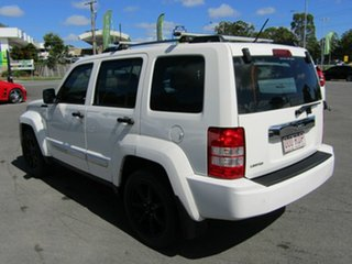 2010 Jeep Cherokee Limited (4x4) Wagon.