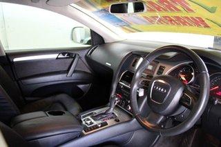 2008 Audi Q7 3.0 TDI Quattro Wagon.