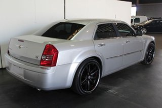 2010 Chrysler 300C 5.7 Hemi V8 Sedan.