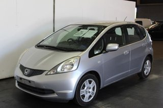 2008 Honda Jazz VTi Hatchback.
