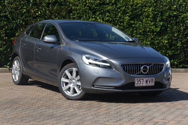 Discounted Used Volvo V40 T4 Adap Geartronic Inscription, Southport, 2016 Volvo V40 T4 Adap Geartronic Inscription Hatchback
