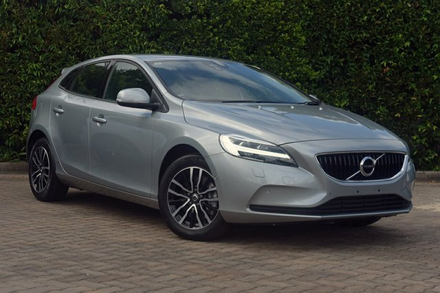 Discounted Demonstrator, Demo, Near New Volvo V40 T3 Adap Geartronic Momentum, Southport, 2016 Volvo V40 T3 Adap Geartronic Momentum Hatchback