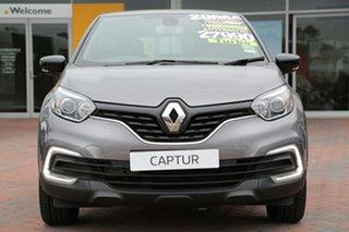 2017 Renault Captur Zen EDC SUV.