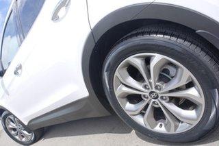 2014 Hyundai Santa Fe Highlander Wagon.
