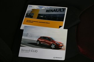 2016 Renault Clio Authentique Hatchback.