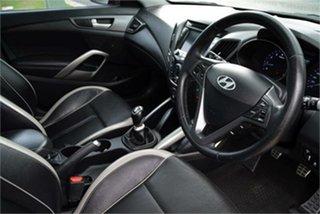 2013 Hyundai Veloster SR Hatchback.
