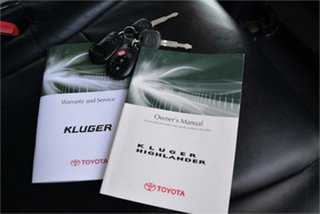 2009 Toyota Kluger KX-S Wagon.