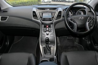 2015 Hyundai Elantra SE Sedan.