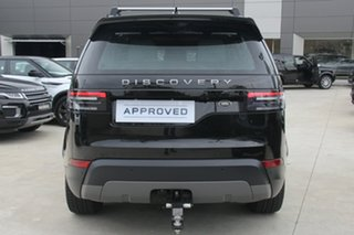2017 Land Rover Discovery TD6 SE Wagon.