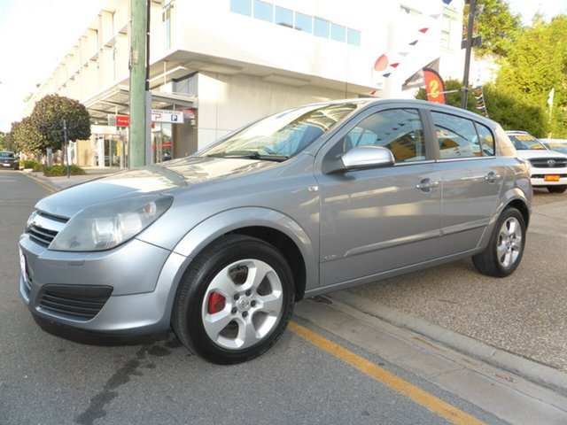 Used Holden Astra CDX, Southport, 2006 Holden Astra CDX Hatchback
