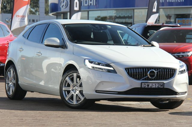 Discounted Demonstrator, Demo, Near New Volvo V40 D4 Adap Geartronic Inscription, Southport, 2017 Volvo V40 D4 Adap Geartronic Inscription Hatchback