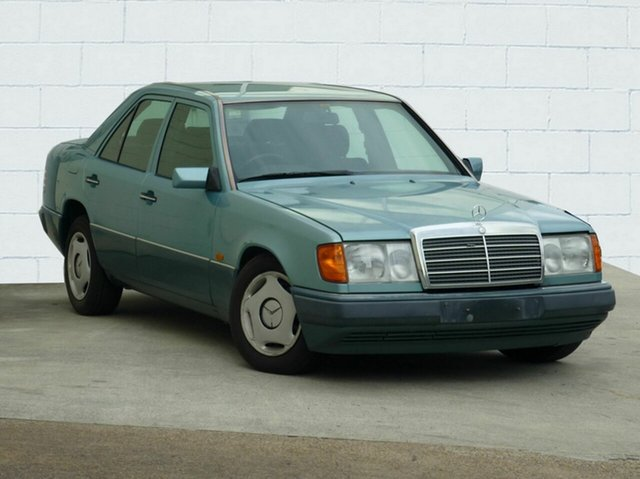 Used Mercedes-Benz 220 E, Moorooka, 1993 Mercedes-Benz 220 E Sedan