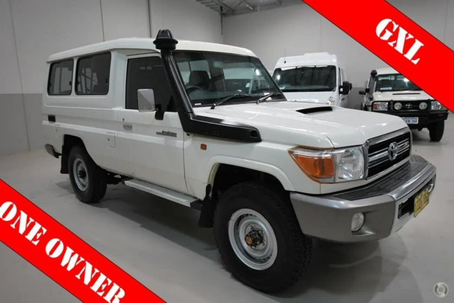 Used Toyota Landcruiser GXL Troopcarrier, Kenwick, 2015 Toyota Landcruiser GXL Troopcarrier Wagon