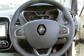 2017 Renault Captur Zen EDC Hatchback.
