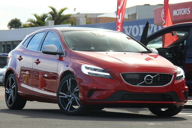 Discounted New Volvo V40 T5 Adap Geartronic R-Design, Southport, 2018 Volvo V40 T5 Adap Geartronic R-Design Hatchback