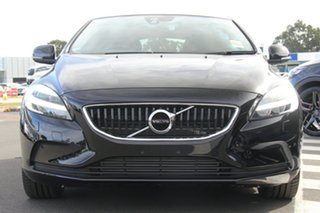 2018 Volvo V40 T3 Adap Geartronic Momentum Hatchback.