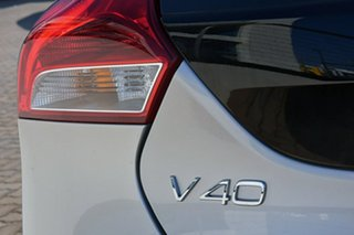 2017 Volvo V40 T3 Adap Geartronic Momentum Hatchback.