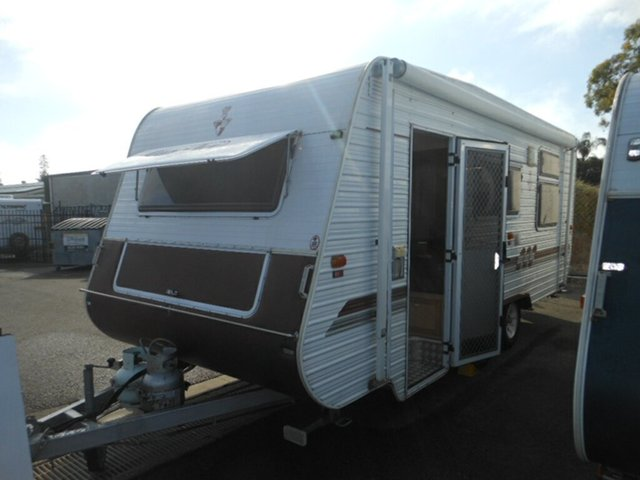 Discounted Used Crusader XL [DC0791], Pialba, 2006 Crusader XL [DC0791] Caravan