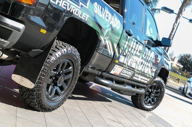Demonstrator, Demo, Near New Chevrolet Silverado 2500 LTZ Midnight Edition, Oakleigh, 2018 Chevrolet Silverado 2500 LTZ Midnight Edition CK MY18 Crew Cab Utility